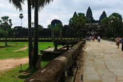 Angkor Wat - causeway to the inner temple